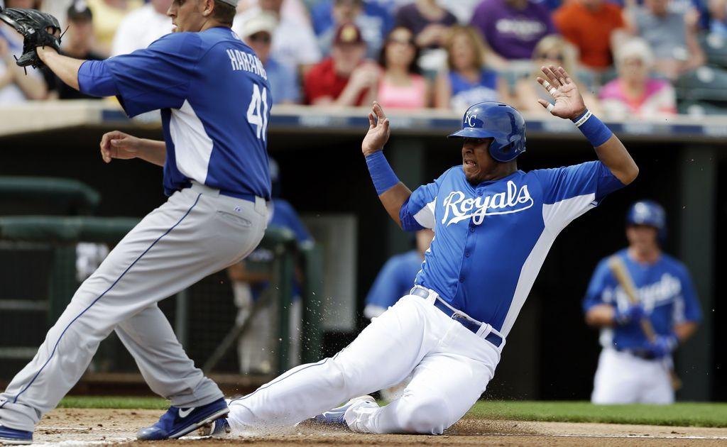 Moustakas y Reales vencen a los Dodgers (Fotos)