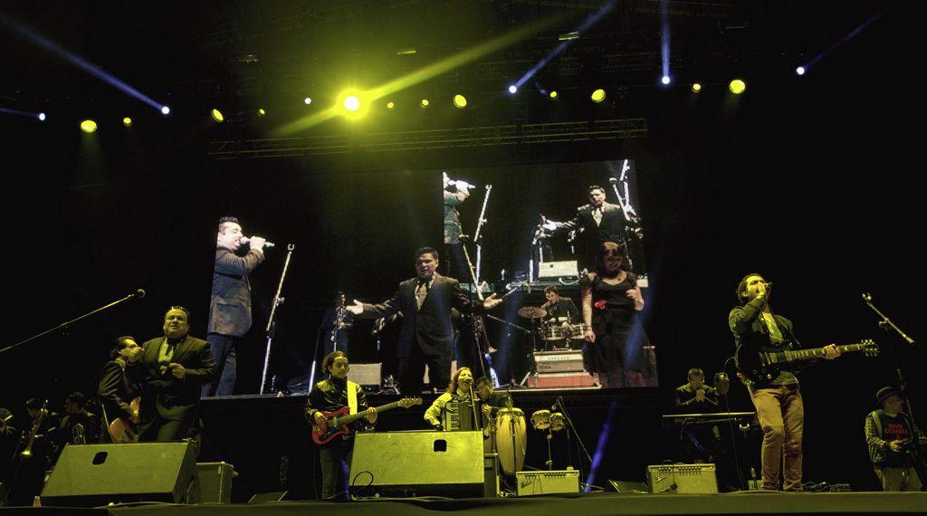 Vicentico canta con Los Ángeles Azules (videos)
