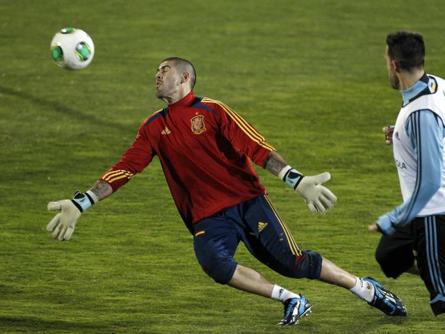 Víctor Valdés será titular con España (Fotos)