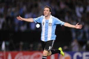 Argentina golea a Venezuela y acaricia el Mundial (Fotos y video)