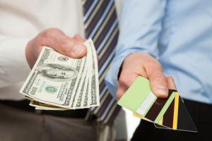 Ladrones obtienen más de $340,000 falsificando tarjetas