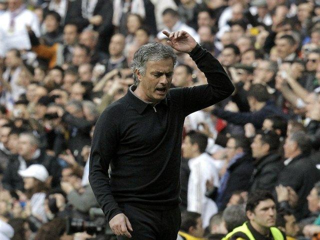 Mourinho dirigirá al Chelsea, asegura diario inglés