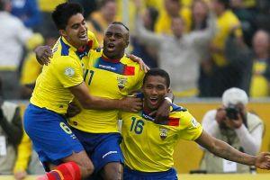 Ecuador golea y casi elimina a Paraguay (Fotos y video)
