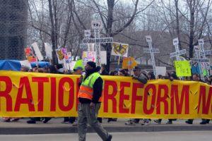 """""""Latinos Unidos"""" anuncia campaña por la reforma migratoria"""