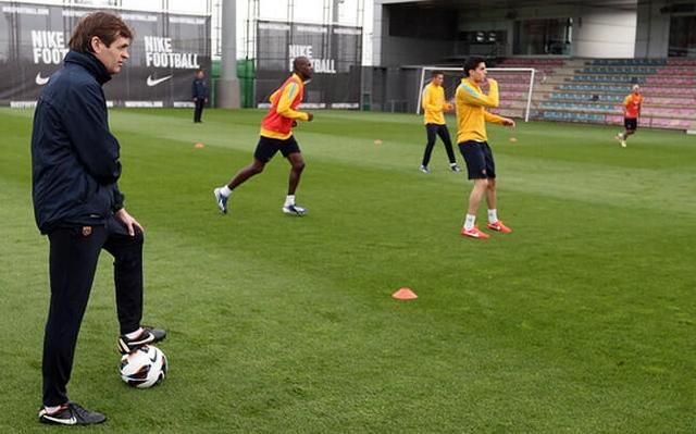Tito entrena al Barsa