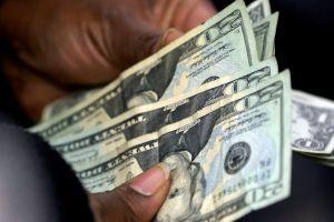Impuestos por compras suben el lunes en California