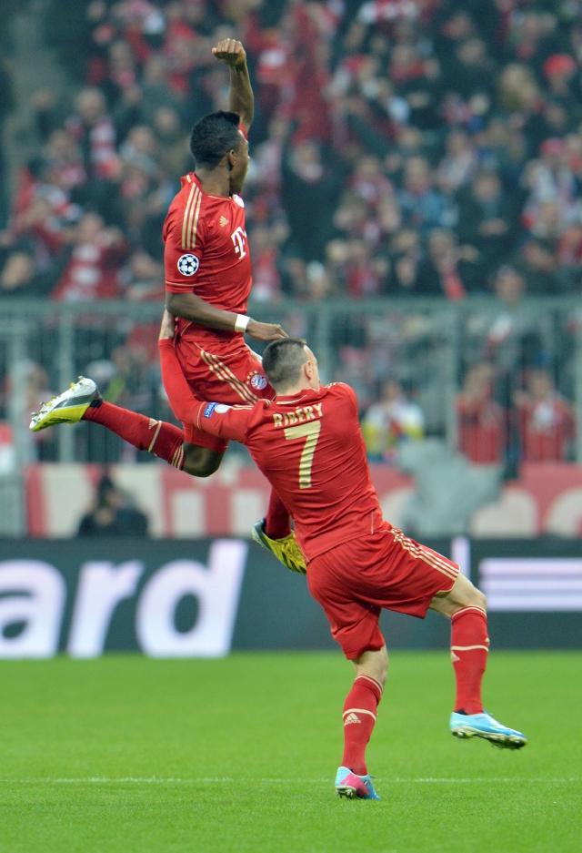El austriaco del Bayern Munich,  David Alaba, pega descomunal salto para festejar su gol ante el Juventus en el Allianz Arena.