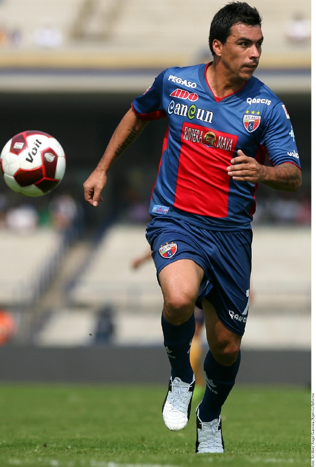 Esteban Paredes buscará la final para Potros.