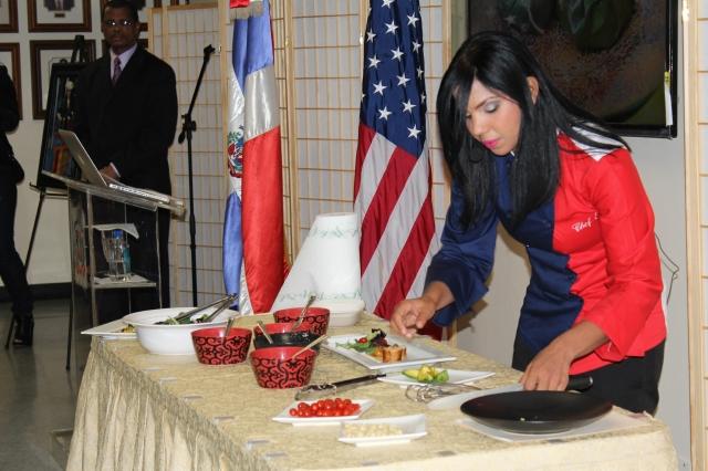 La dominicana Inéz Páez Nin, conocida como la chef Tita, apoya 'la nueva cocina dominicana'.