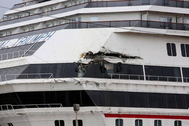 """Crucero averiado """"Triumph"""" de Carnival sufre otro accidente"""