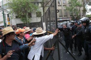 Gobierno mexicano negocia con maestros Reforma Educativa