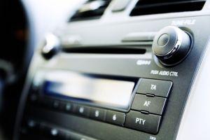 Multas a conductores en Florida si no bajan volumen del radio