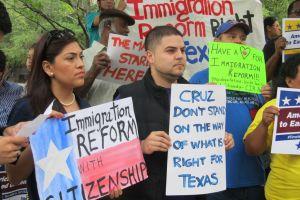 Activistas en Houston marcharán contra el senador Cruz