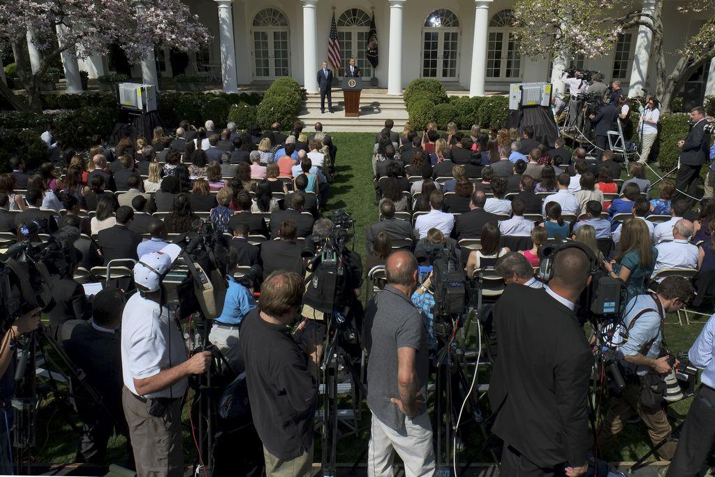 Obama solicita más de 500 billones para el Pentágono