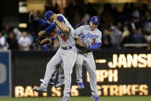 Los Dodgers vencen a Padres con todo y bronca (Fotos)