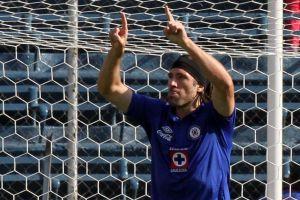 Cruz Azul estrena corona y golea a Xolos