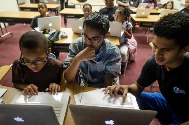 Muestran  ventajas de la tecnología a niños