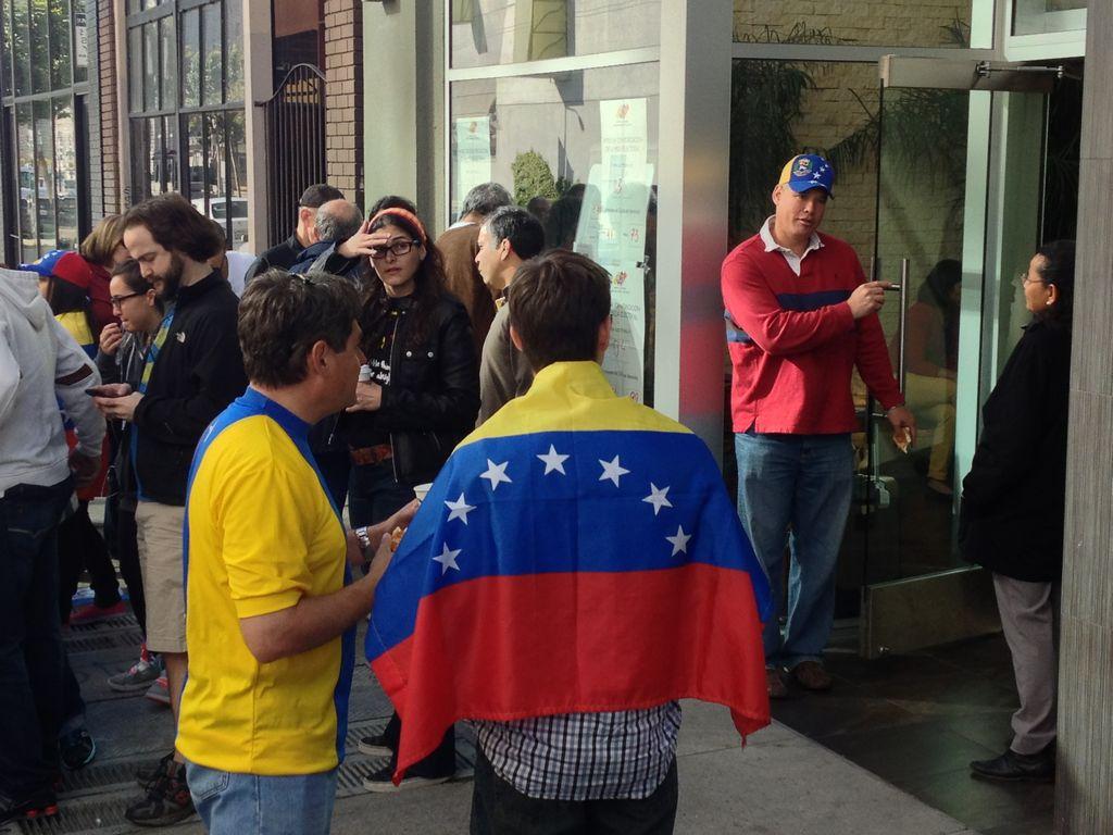 Venezolanos de California votan en San Francisco