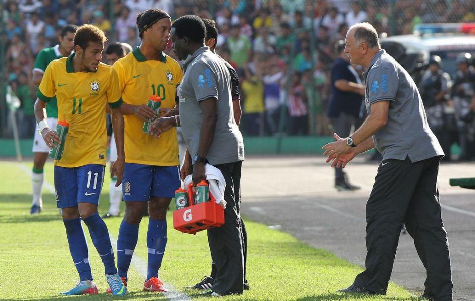 Scolari repite llamado para partido con Chile