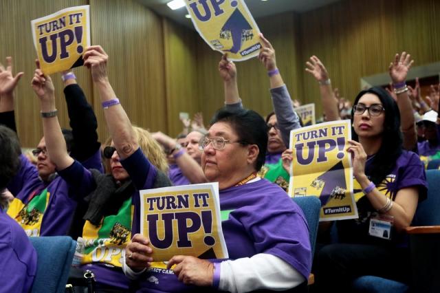 Trabajadores piden aumento