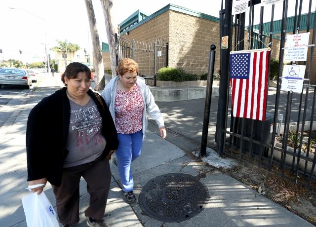 Muy pocos latinos votan en Compton