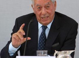 Vargas Llosa exige recuento en Venezuela