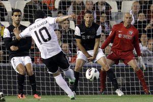Valencia golea al Málaga y se acerca a Champions (Fotos)