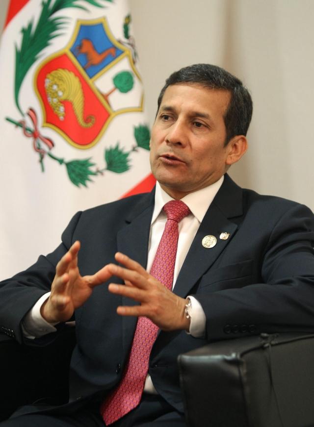 El presidente de Perú, Ollanta Humala, viajó a Venezuela para la juramentación de Maduro.