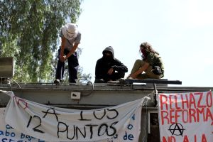 UNAM expulsa a cinco por desmanes