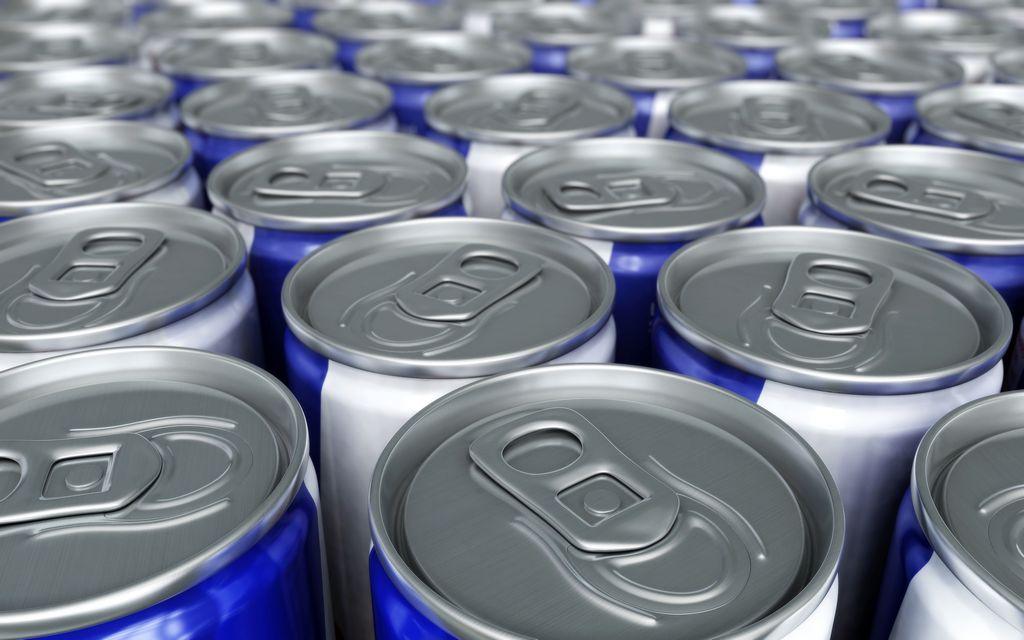 Las bebidas energéticas ganan  cada vez más terreno entre jóvenes y adultos.