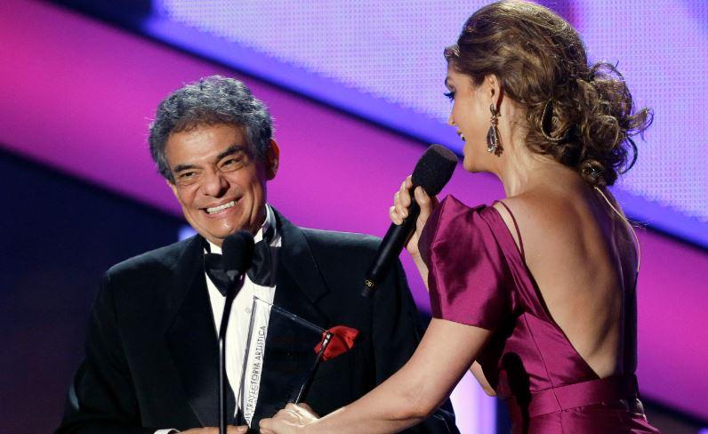 José José recibe homenaje en los Billboard