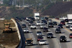 Ampliación de autopista I-405 se retrasará un año