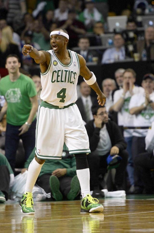 Celtics evitan hacer papelón