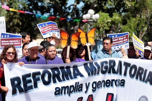 Activistas de diversas organizaciones se preparan para las marchas de mañana.