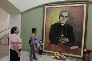Funes hablará con el Papa de beatificación de Óscar Romero