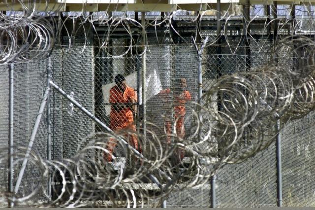 EEUU transfiere 15 presos de Guantánamo a Emiratos Árabes Unidos