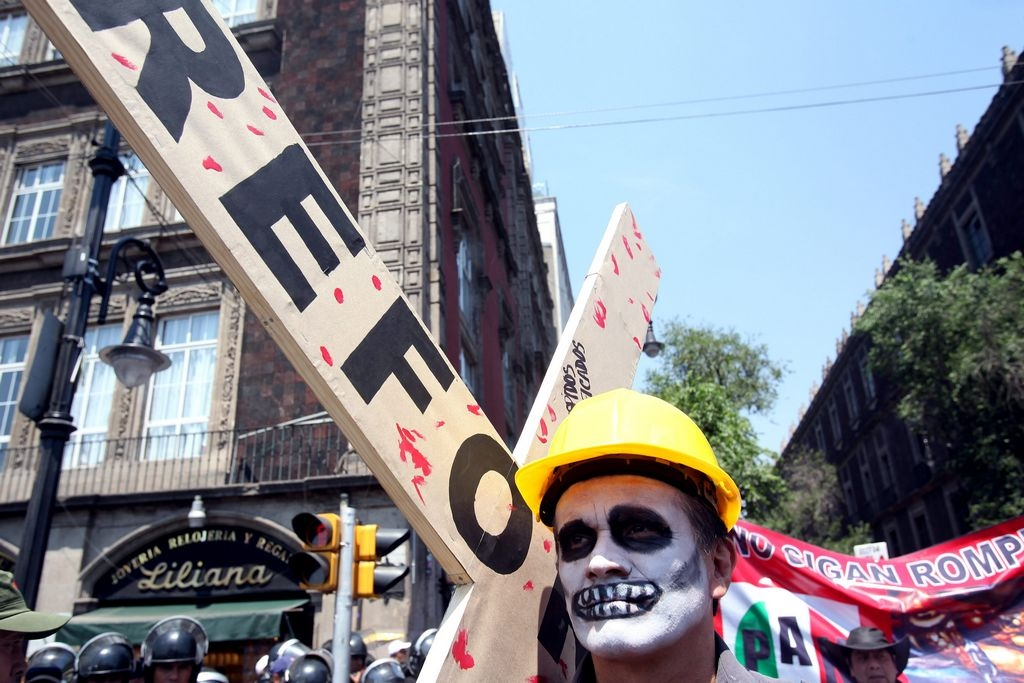 Contingentes de trabajadores no alineados protestaron contra la Reforma Laboral.