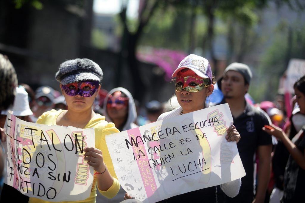 Las marchas transcurrieron sin mayor problema. En la imagen, trabajadoras sexuales marchan en el DF.