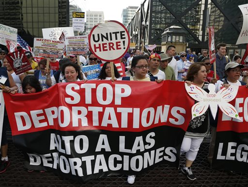 Las deportaciones y la reforma migratoria, temas presentes en Chicado durante la marcha del 1 de mayo.