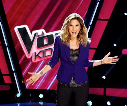 """Daisy Fuentes alienta a pequeños en """"La Voz Kids"""" (video)"""