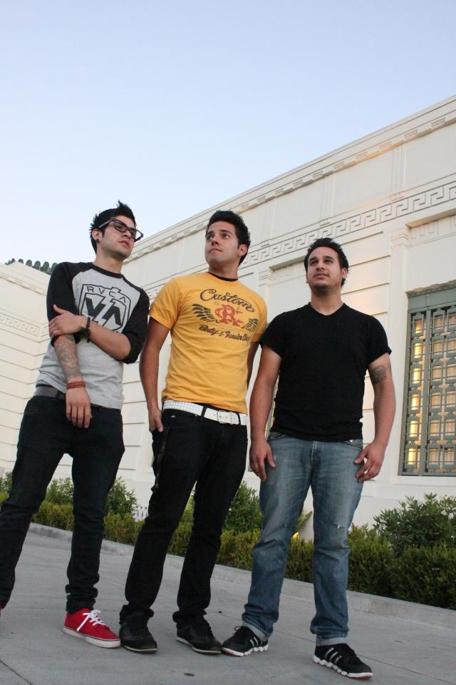 Forever Farewell es una banda angelina  de rock alternativo.