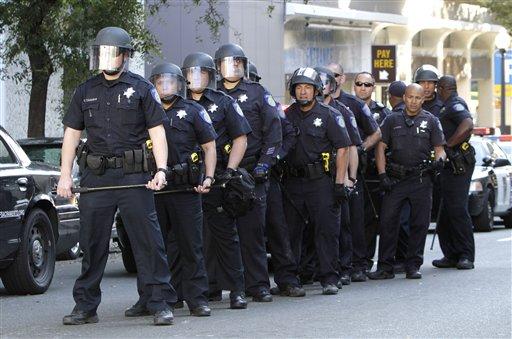 Abofetea a policía para ir presa y dejar de fumar en Sacramento
