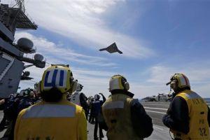 """Marina de EEUU prueba """"drone"""" de tamaño real en el Atlántico"""