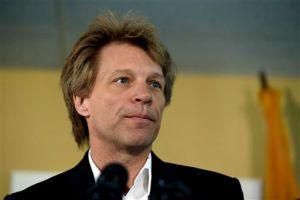 Bon Jovi se queda sin voz a medio concierto