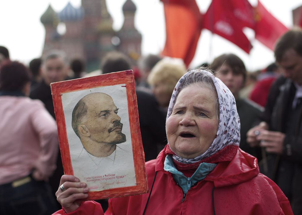 Lenin renovado vuelve a mostrarse al público ruso (video)