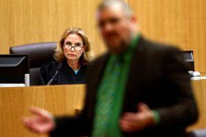 Jueza rechaza pedido de defensa para salir de caso Arias
