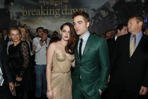Pattinson y Stewart deciden salir con otras personas