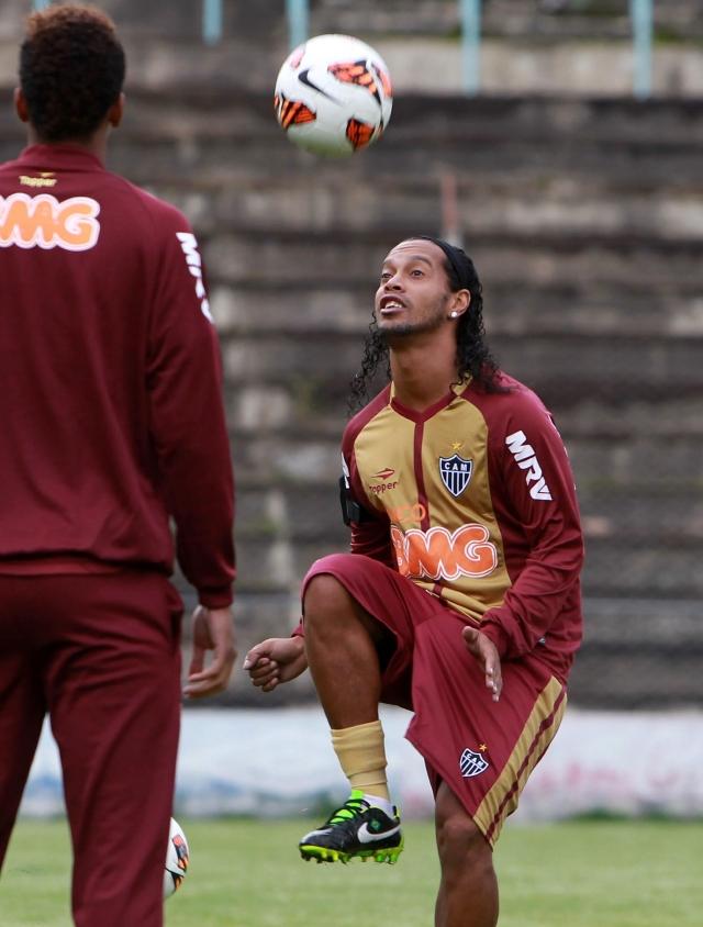 Ronaldinho llega 'marcado'