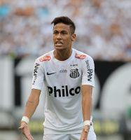 Frena   'subasta'  por Neymar