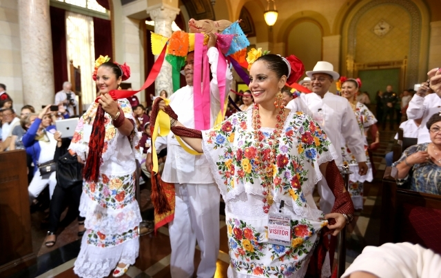 Concejo declara el Día del Yucateco en Los Ángeles